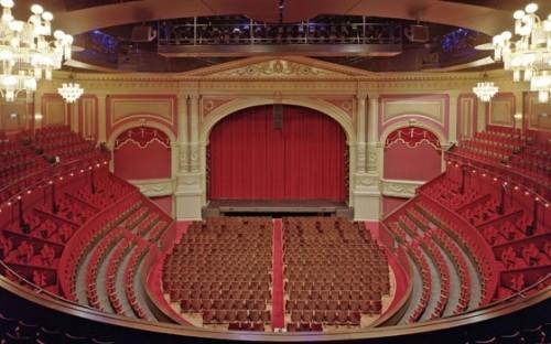 488_fullimage_amsterdam theater carre zaal_560x350.jpg