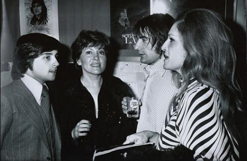 Avec Serge Lama - Dalida et Thierry Le luron.Palais des congres lama 16.01.1975.jpg