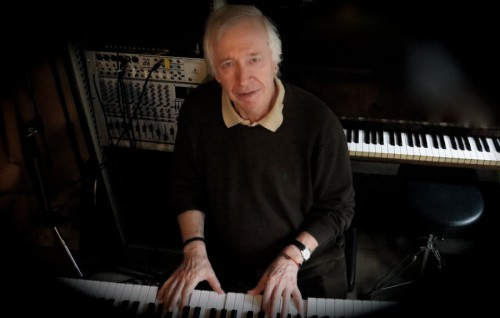 yves-gilbert-fidele-compositeur-et-pianiste-de-serge-lama.jpg