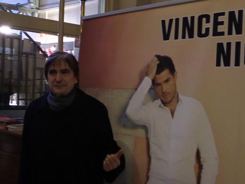 Serge-Lama-au-Theatre-du-Chatelet-le-24-mai-2014-pour-le-concert-de-Vincent-Niclo_exact1024x768_l.png